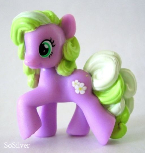Lurking Rhythmically: I just now noticed... - Ponies ... Flower Wishes Mlp