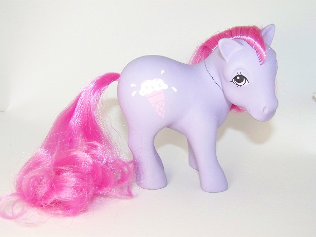 recherche principale de Mapeline : des poneys et leurs accessoires  MO_Scoops