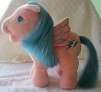 recherche principale de Mapeline : des poneys et leurs accessoires  200px-Plush-firefly-openmouth