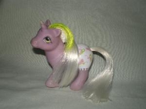 recherche principale de Mapeline : des poneys et leurs accessoires  300px-European_Baby_Glider