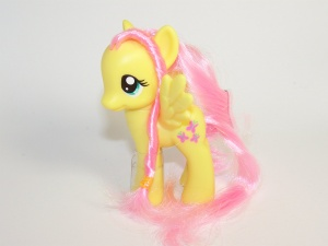 G4 fluttershy my little wiki playful pony fluttershy mightylinksfo