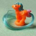 recherche principale de Mapeline : des poneys et leurs accessoires  150px-Orange_Blue