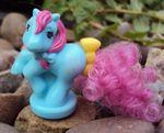 recherche principale de Mapeline : des poneys et leurs accessoires  150px-Blue-orangeclock-petite
