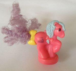 recherche principale de Mapeline : des poneys et leurs accessoires  300px-Petite_Tabby_Eu
